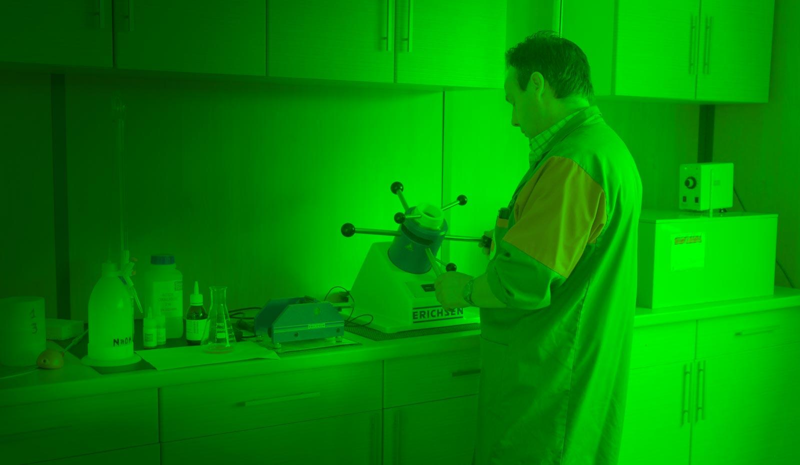 Notre chimiste en action